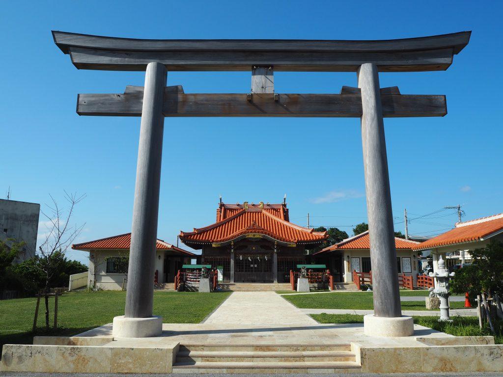 青い空に映える宮古神社