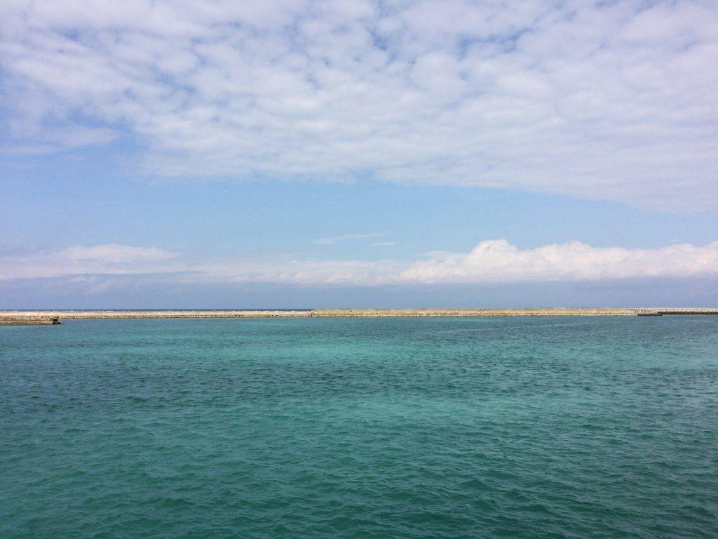 前泊港の海