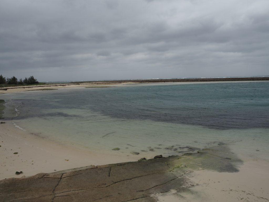 前泊港から見る海
