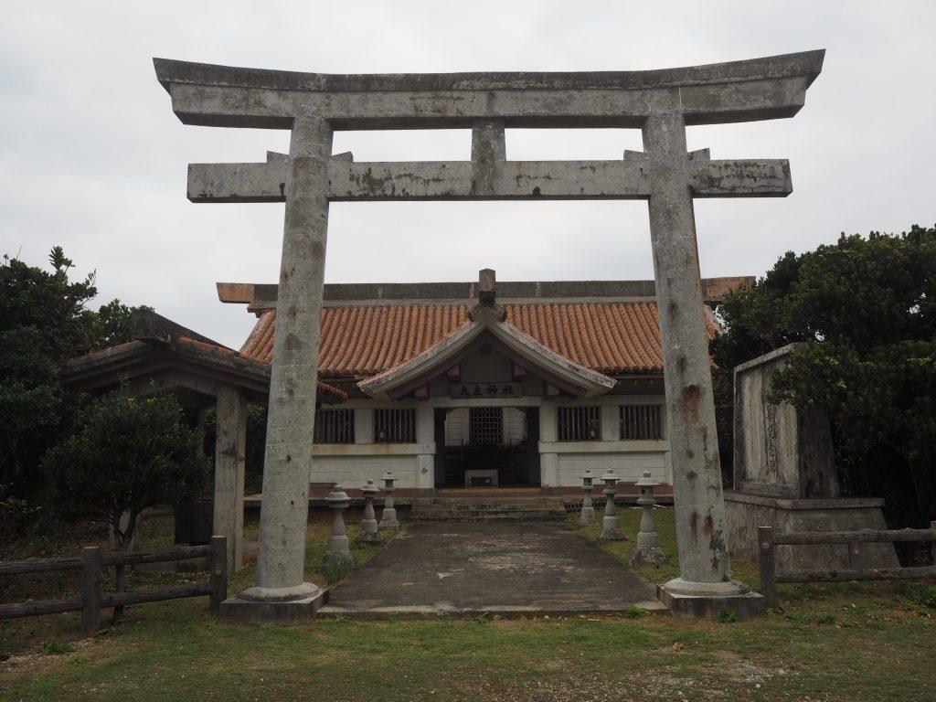 伊良部島の大主神社(おおぬしじんじゃ)