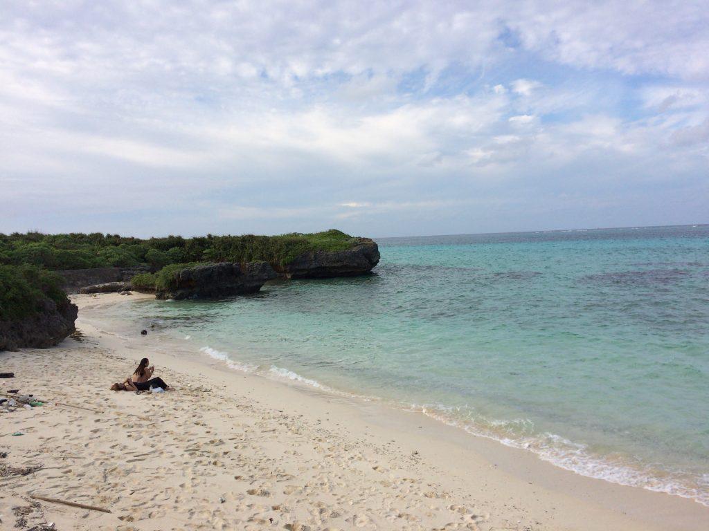 海の色が綺麗なフナクスビーチ