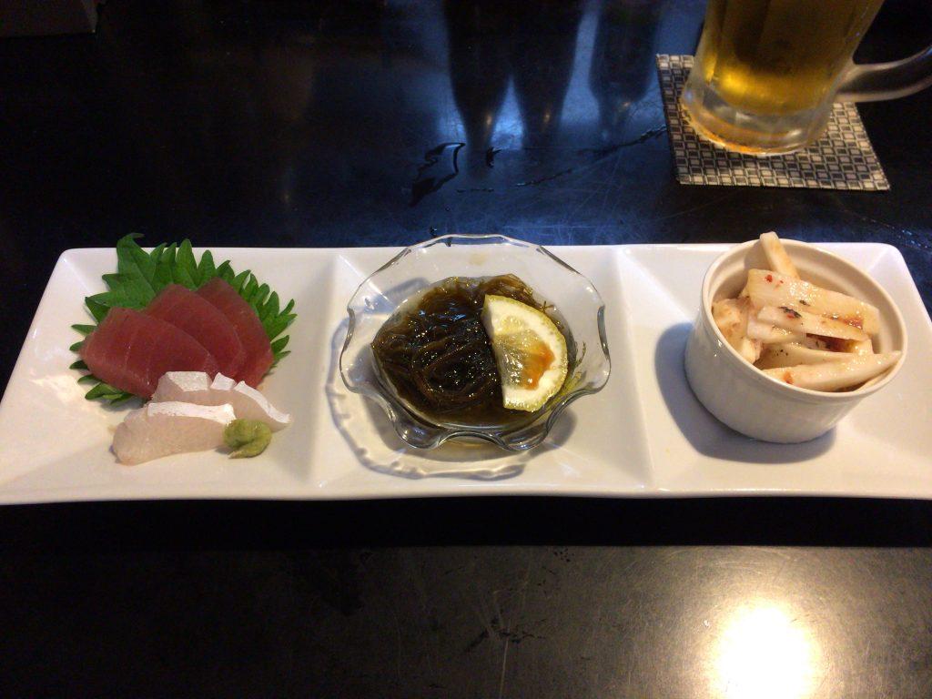 刺身、海ぶどう、山芋