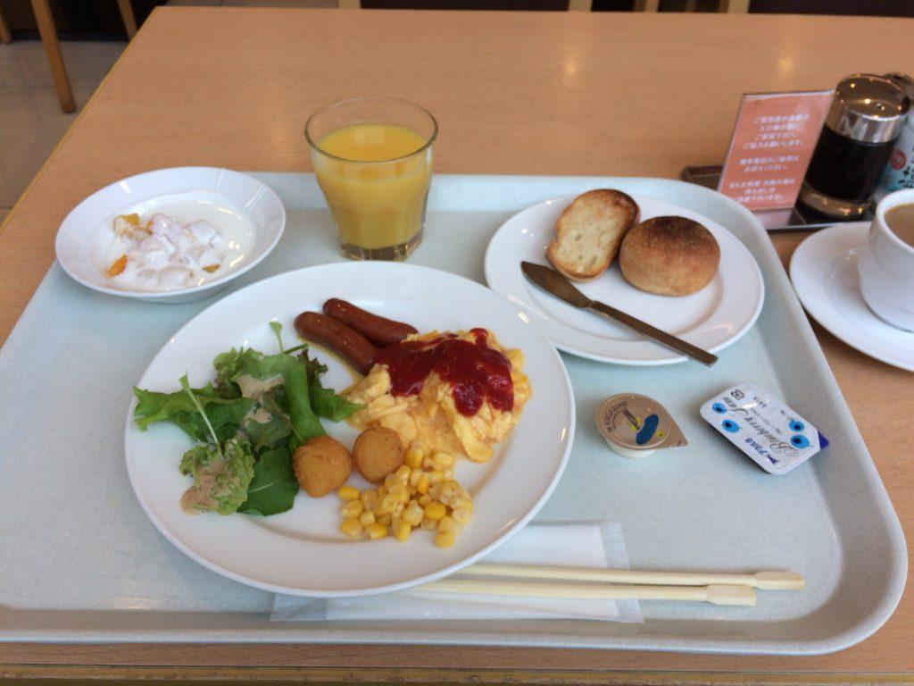 最初の朝食(洋食メニュー)