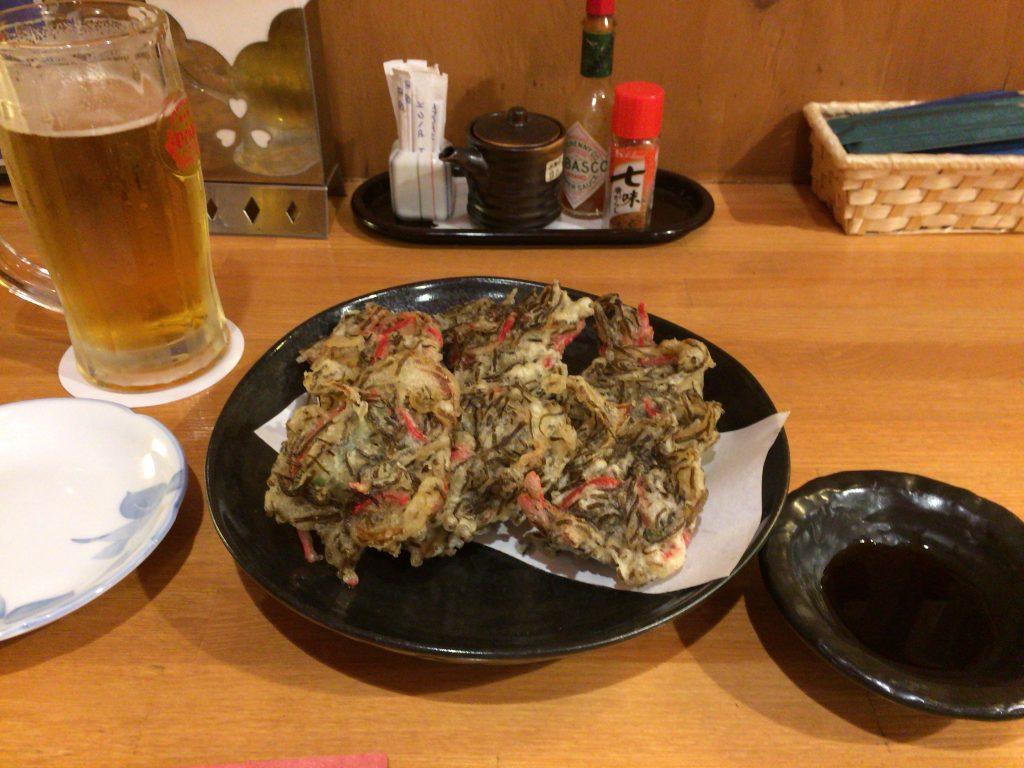 もずくの天ぷら。与論島ではもずく料理をよく目にする