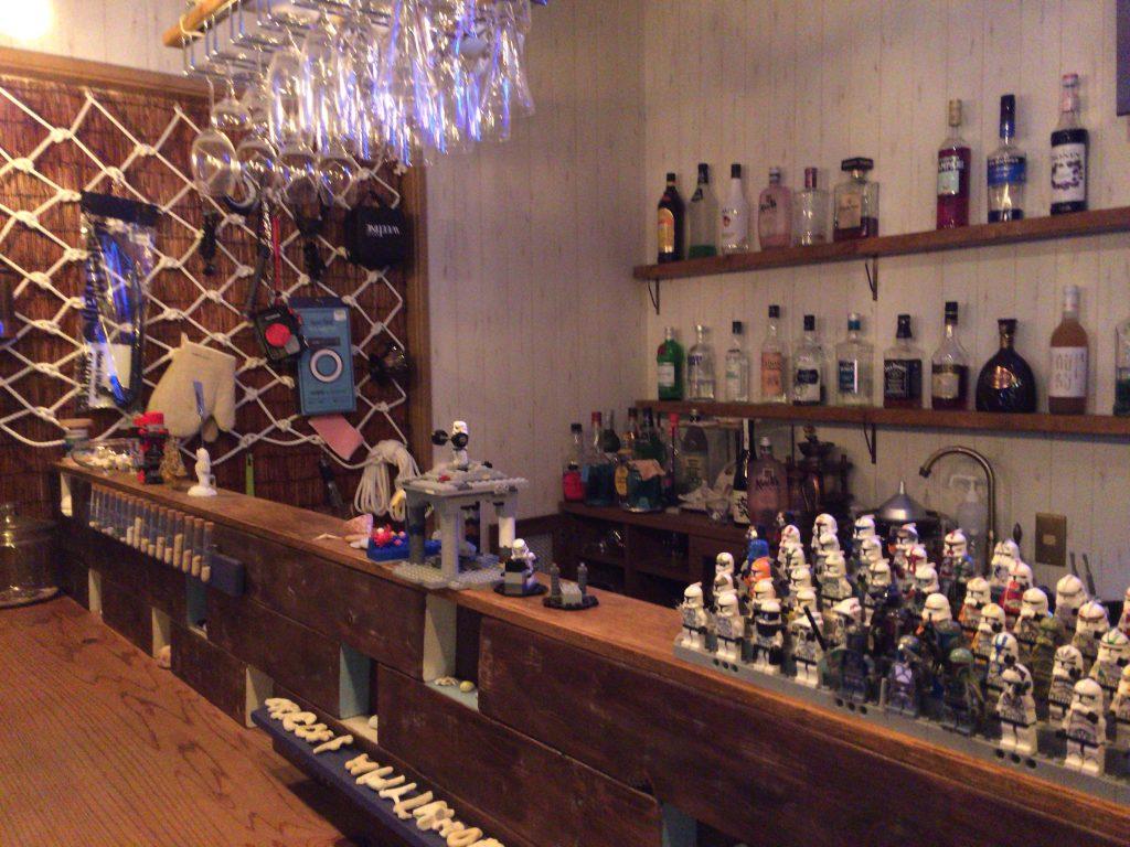 「cafe & bar LOOP」カウンター席