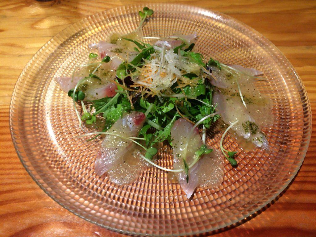 鮮魚のカルパッチョ。この日の鮮魚はチビキである