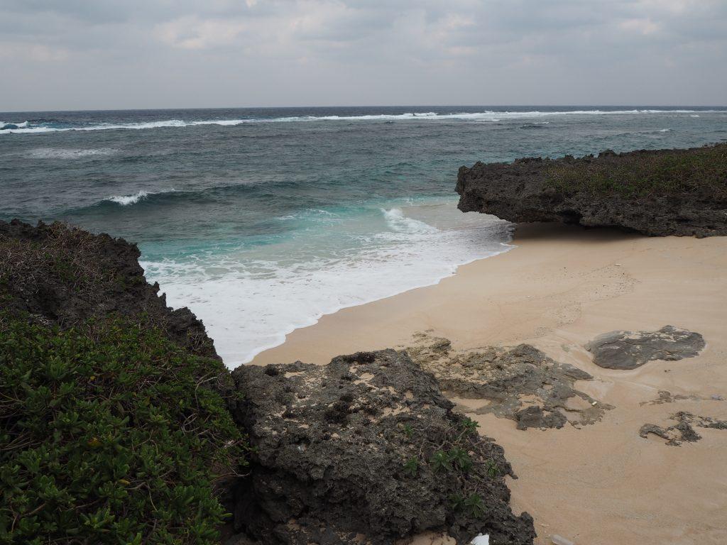 道路の行き止まり近くにもビーチがある