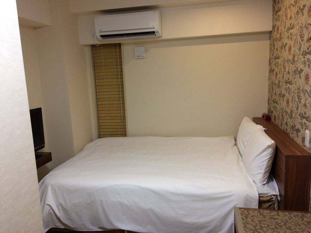 ダブルレギュラールームのベッド