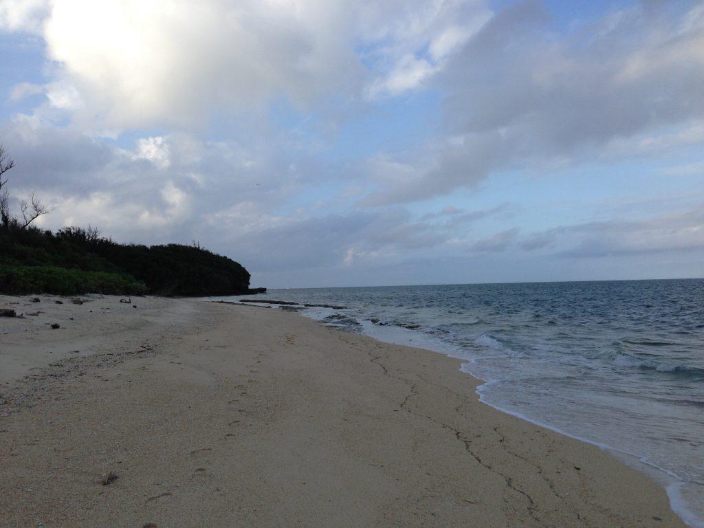 「テラスOHAMA」前のビーチ