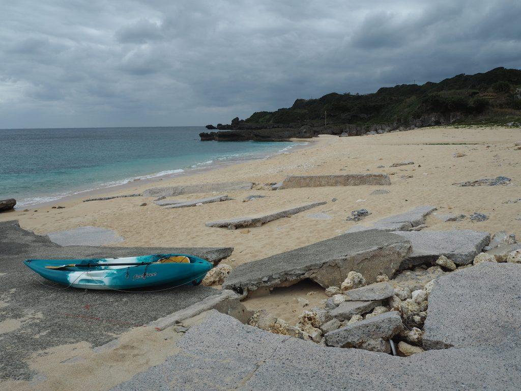 前浜(まえはま)海岸。人気のない静かなビーチだ