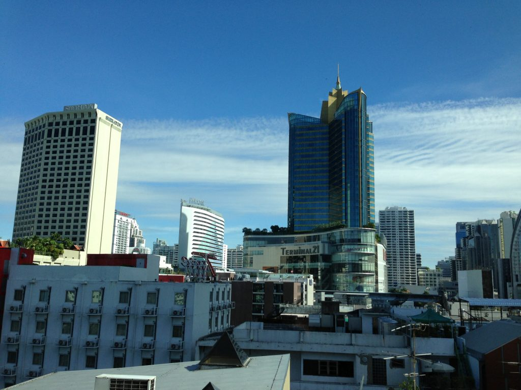ホテル屋上からの眺め(アソーク駅方面)