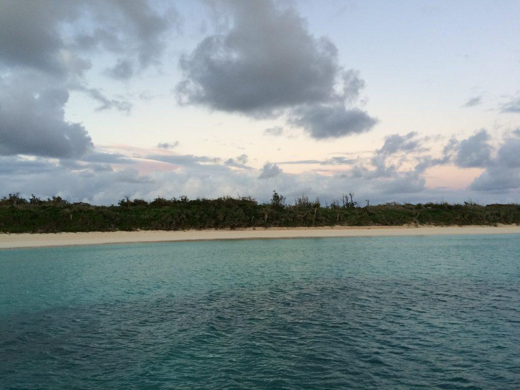 透明度の高い渡口の浜の海
