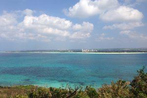 竜宮城展望台からの景色(与那覇前浜ビーチ)