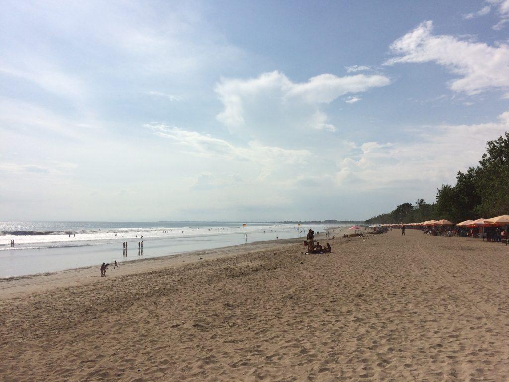 全長5kmにも及ぶ砂浜が広がる