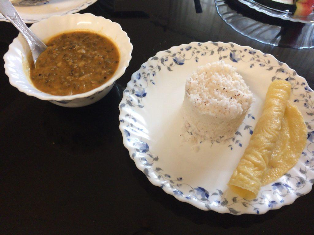 スープはどれもスパイスが効いていて美味しかった