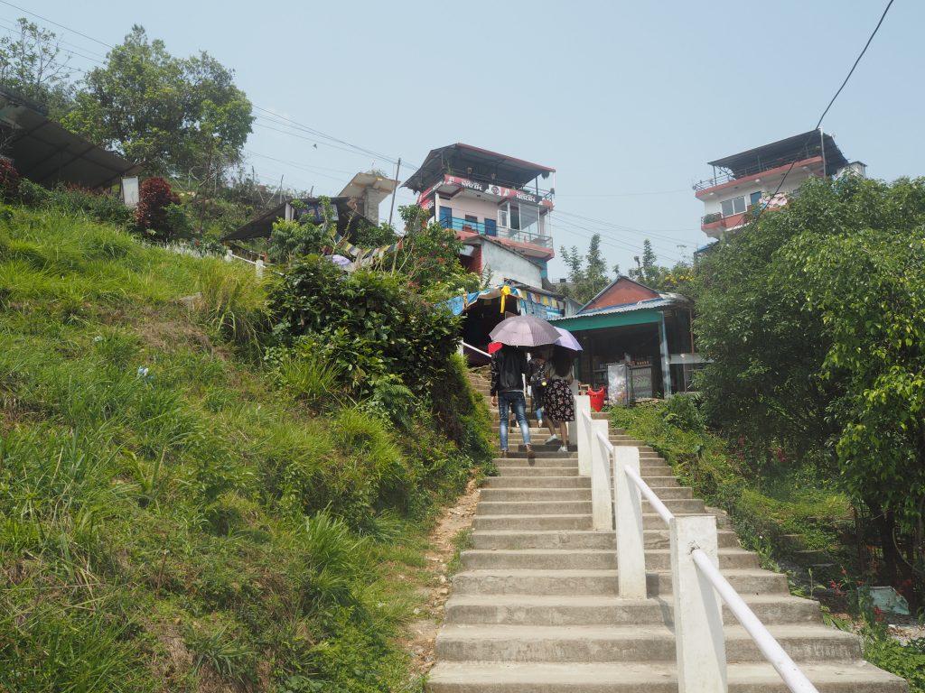ワールドピースパゴダへと続く階段