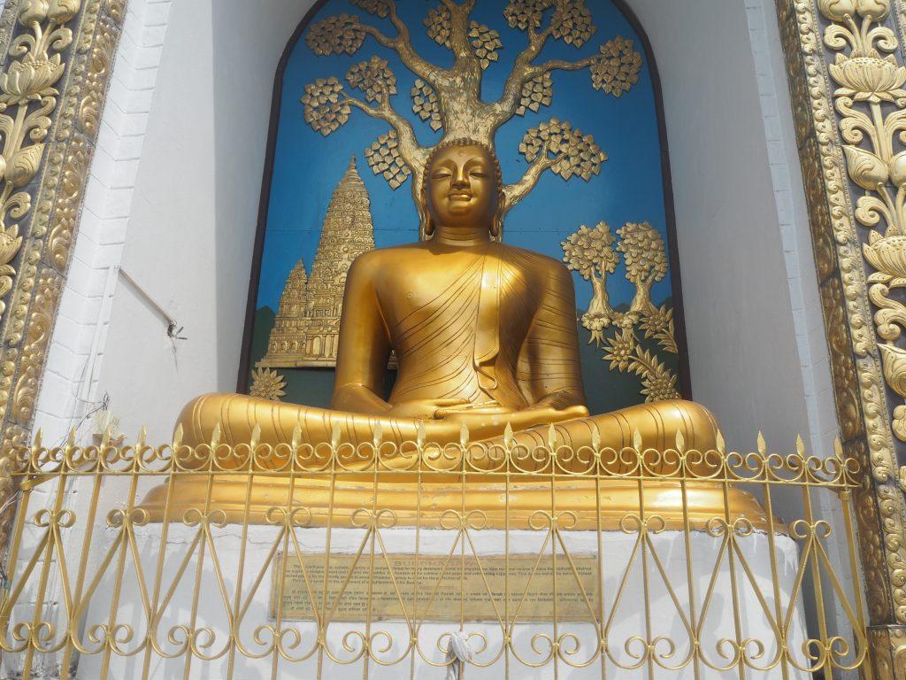 日本らしい仏像だ