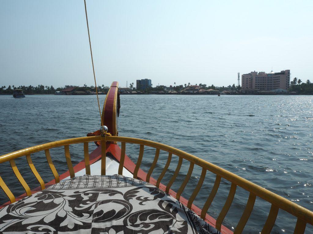 ボートはアレッピーの街に戻ってきた