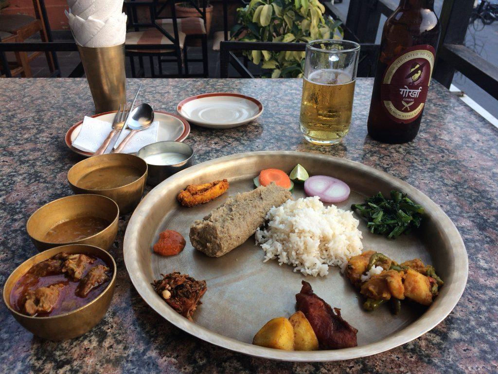 ネパール料理のダルバート。おかずの種類が多くてかなり豪勢だ