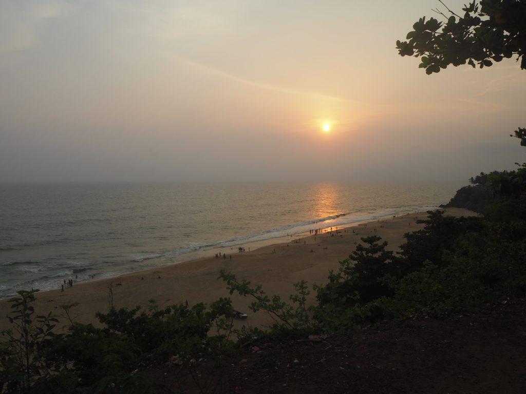 バルカラビーチに沈む夕日