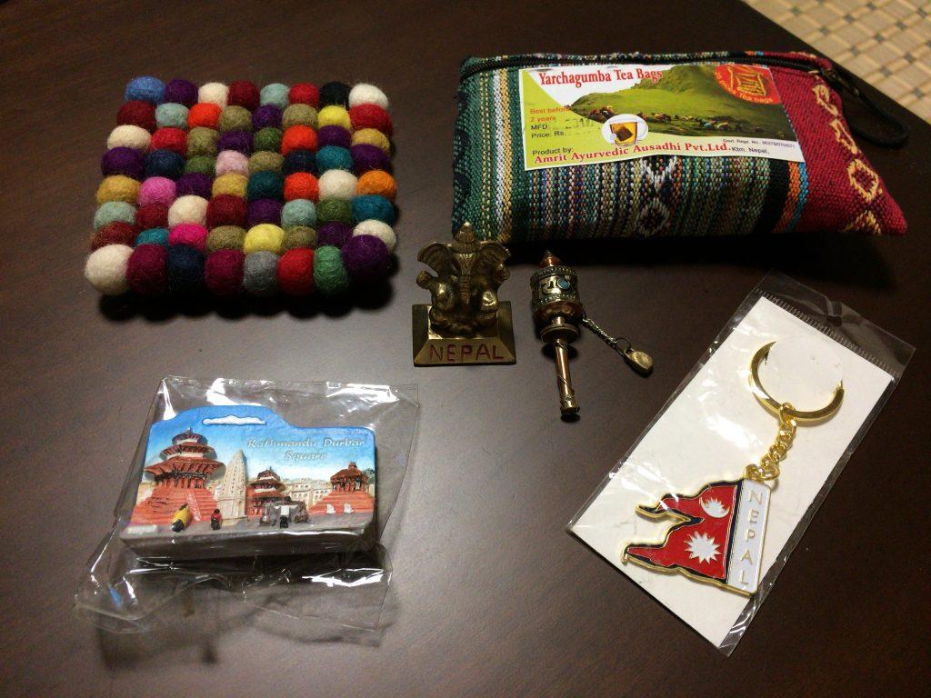 ネパールらしいお土産を購入