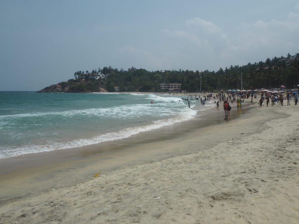 ライトハウスビーチに似た弓形のビーチだ