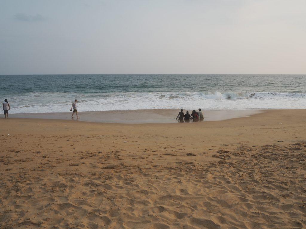 静かな時が流れるビーチだ