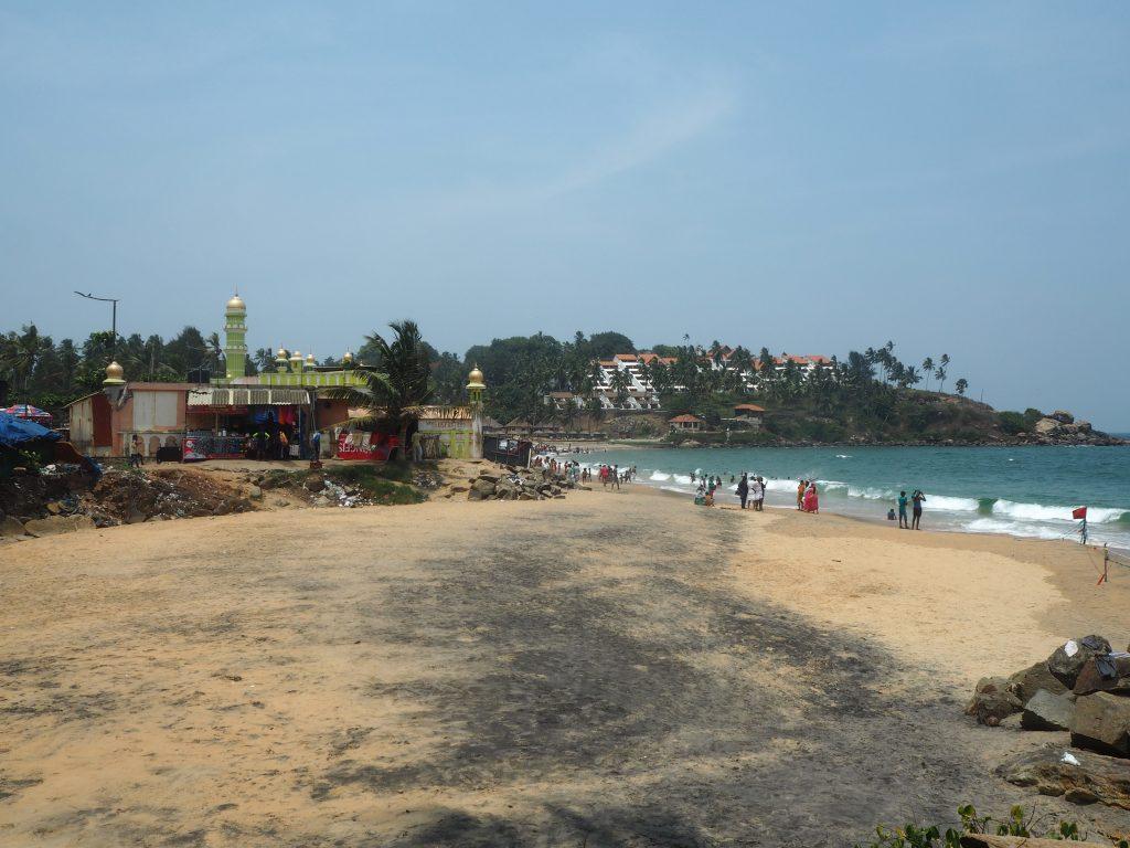 サムドラビーチ(Samudra Beach)。中心部にあるモスクが目印だ