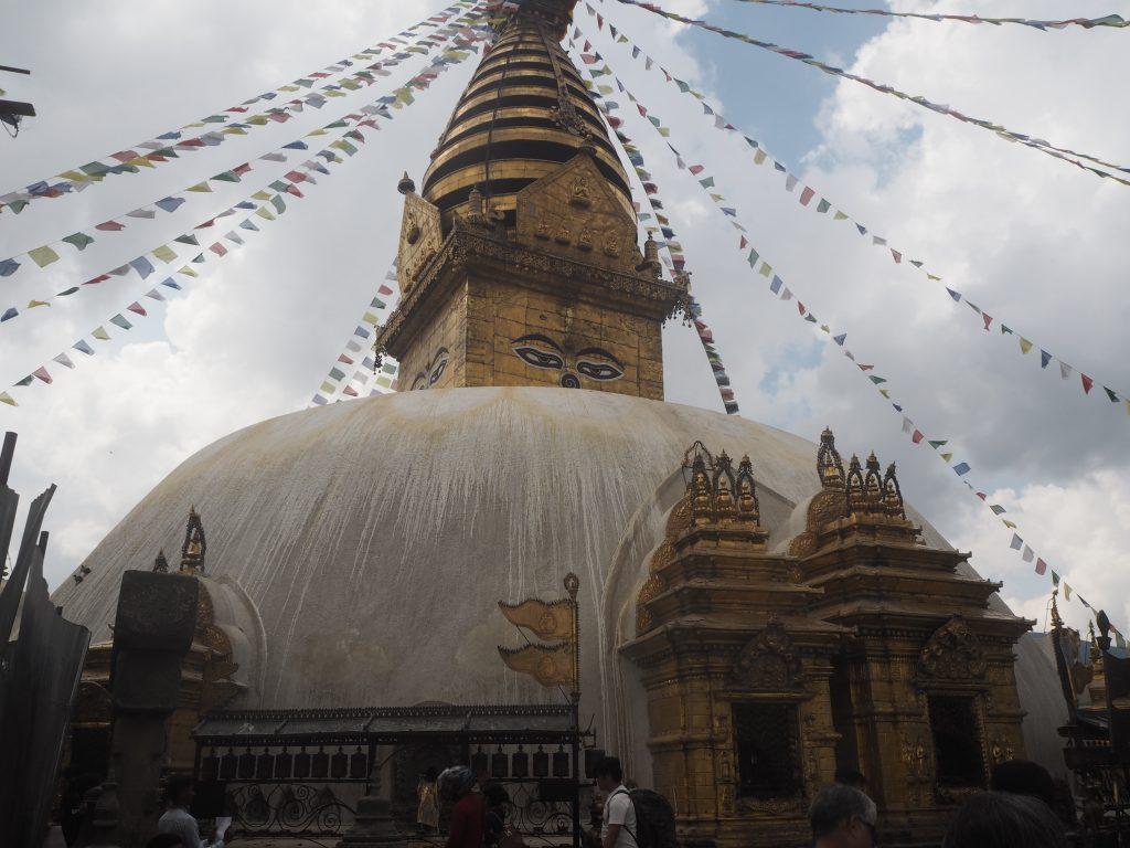 スワヤンブナートの黄金の仏塔