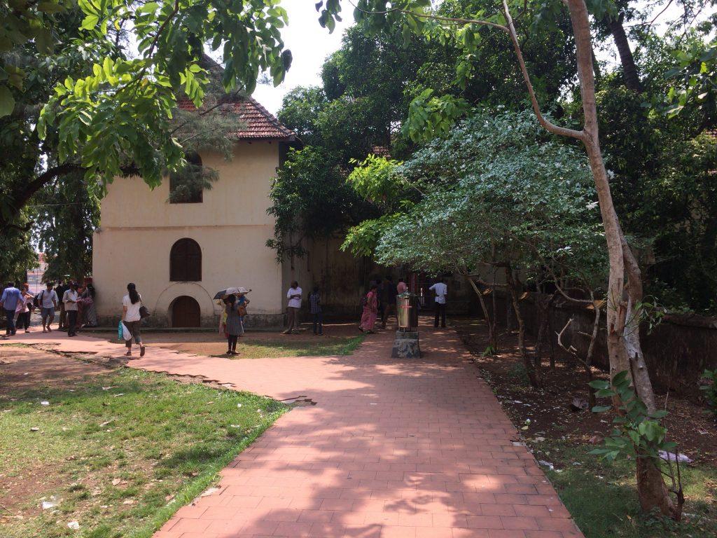 マッタンチェリー宮殿の敷地内