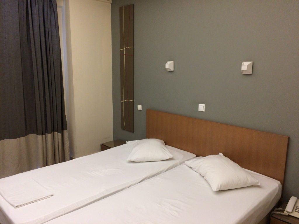 「アリストンホテル」の部屋