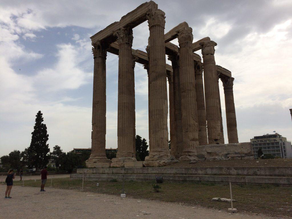 巨大な神殿跡だ