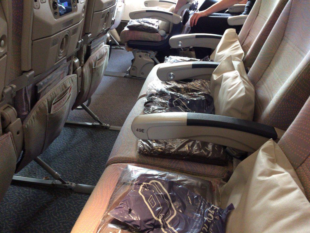 エミレーツ航空のエコノミー座席(ドバイ→東京)