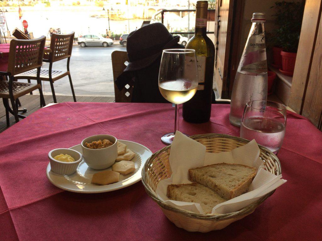 マルタのシャルドネ(白ワイン)は安くて美味しいのでおすすめだ
