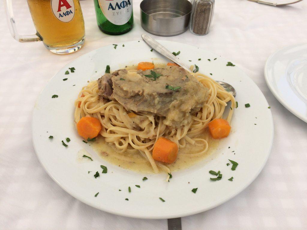 「Lamb with Spaghetti」。その名の通り、スパゲッティの上にラム肉が乗ったシンプルな料理だ