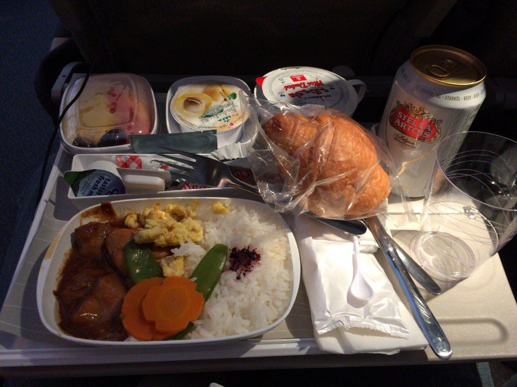 エミレーツ航空の機内食(ドバイ→東京)