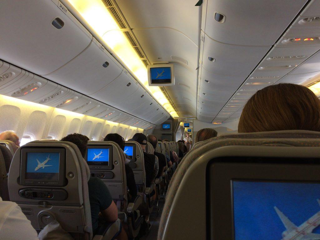 エミレーツ航空の機内(マルタ→ドバイ)