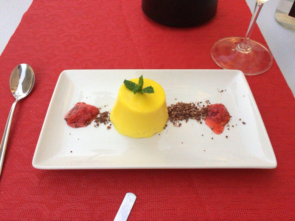 デザートのレモンパンナコッタ