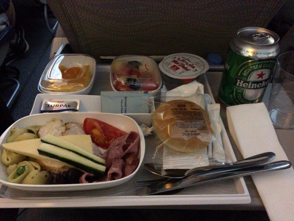 エミレーツ航空の機内食(マルタ→ドバイ)