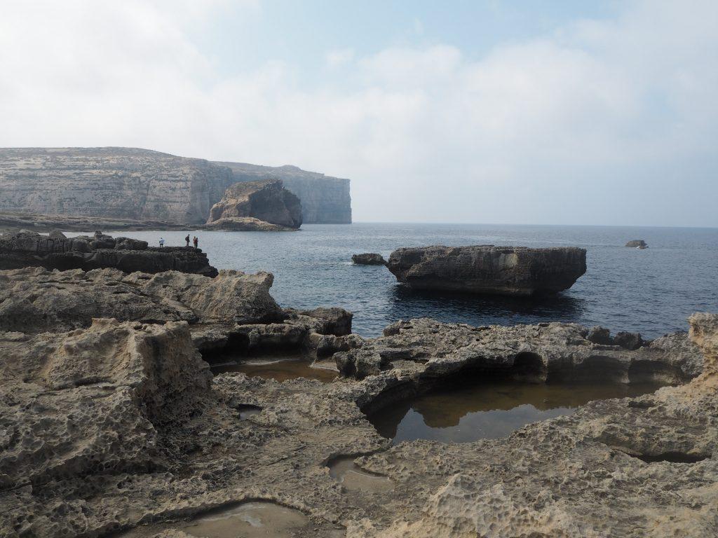 奥に見えるのがファンガスロック(Fungus Rock)