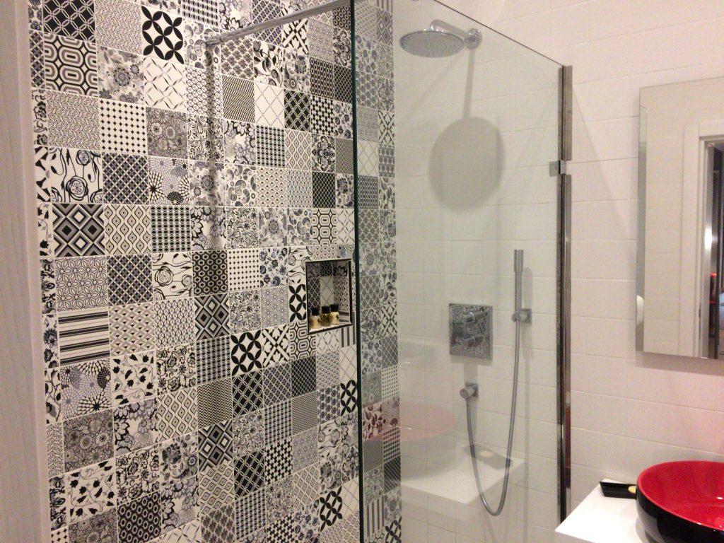 シャワーはお湯もしっかりと出る