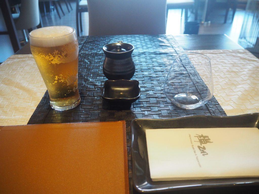 海外で飲む日本のビールは美味しく感じる
