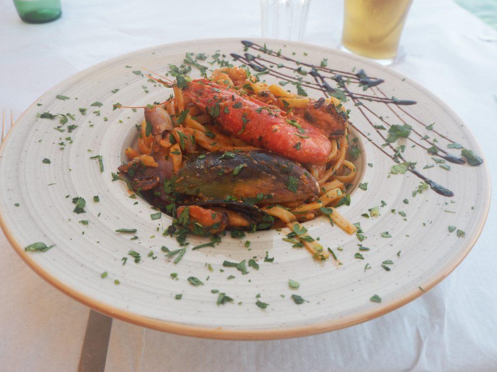 シーフードスパゲティ。マルタで外すことのない一品である