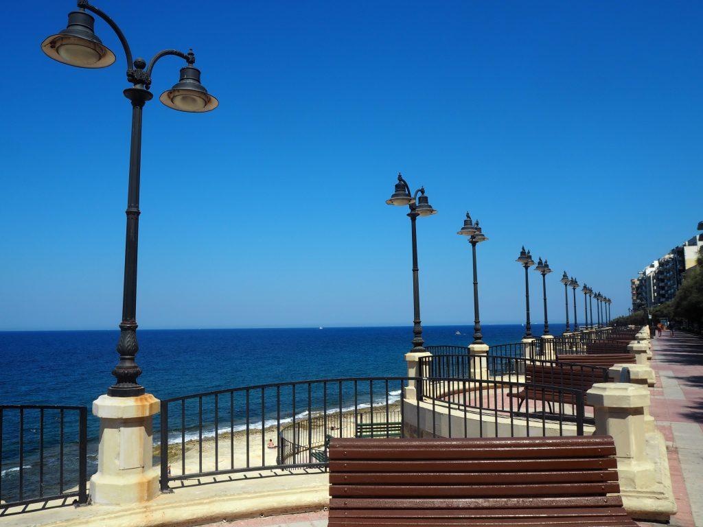 マルタ島スリーマの遊歩道