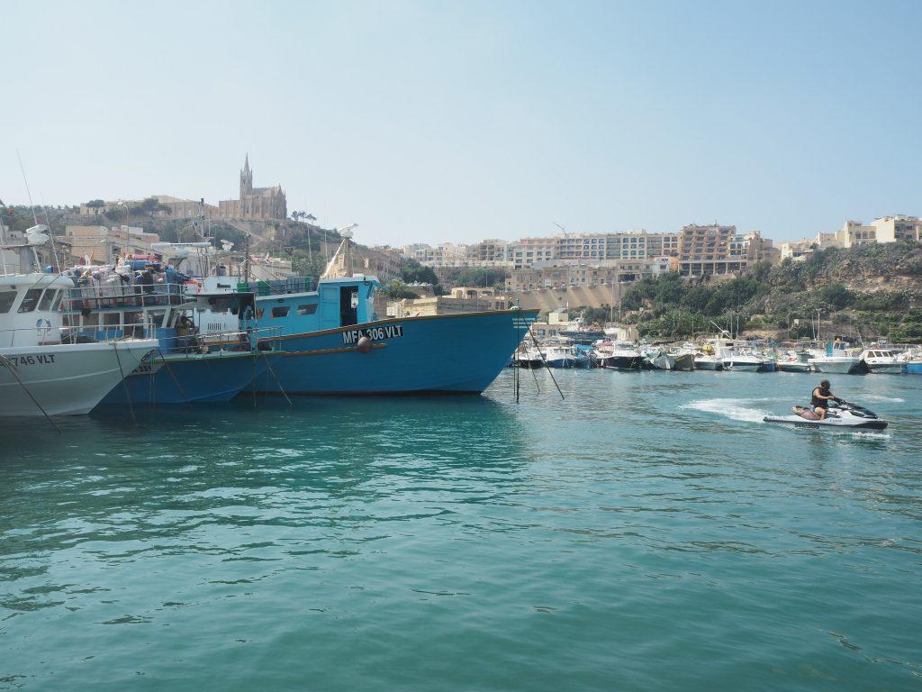 マルタ島からのフェリーが発着するイムジャール港(Mgarr Harbour)