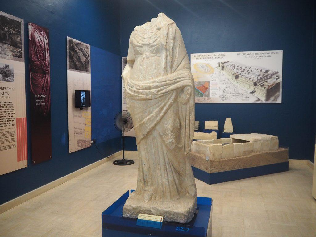 ローマ時代の彫像