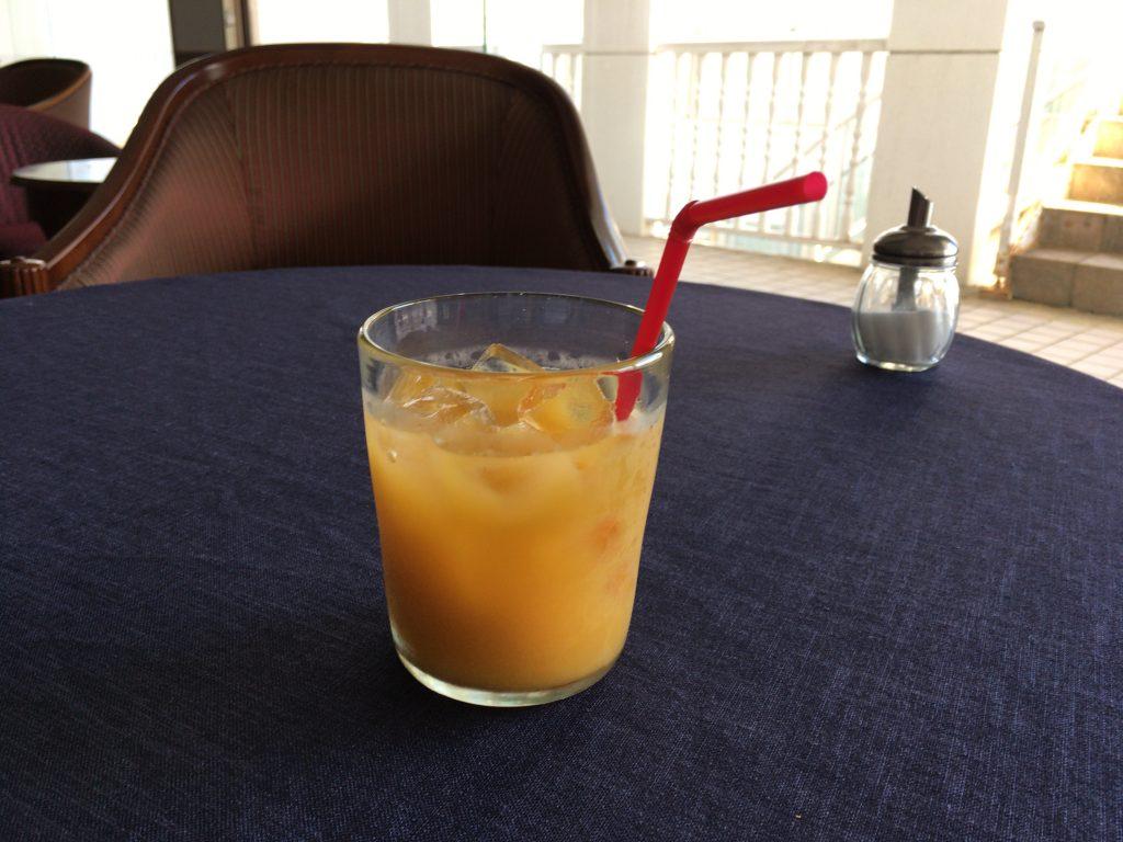 南国と言えばマンゴージュース。もちろんホットコーヒーなどもある