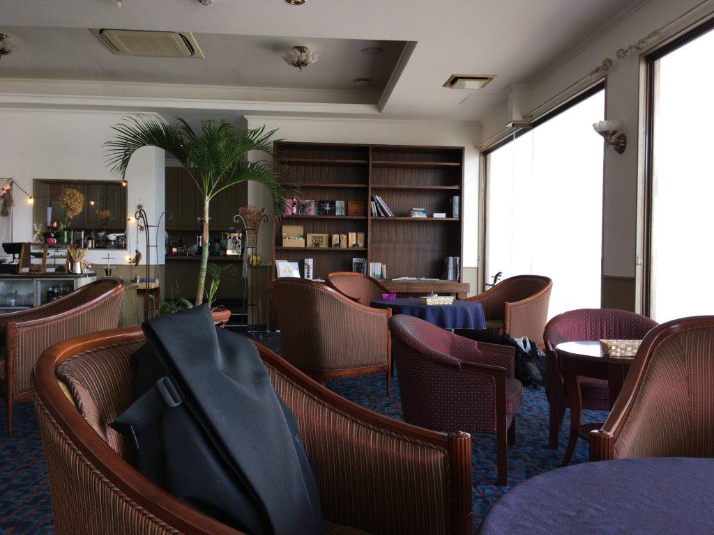 「カナンリゾート」内のカフェ