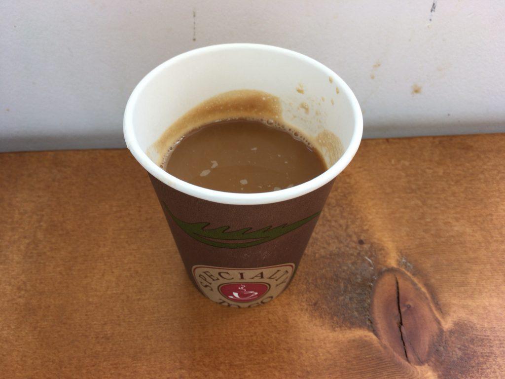 食後にホットコーヒーをいただいた