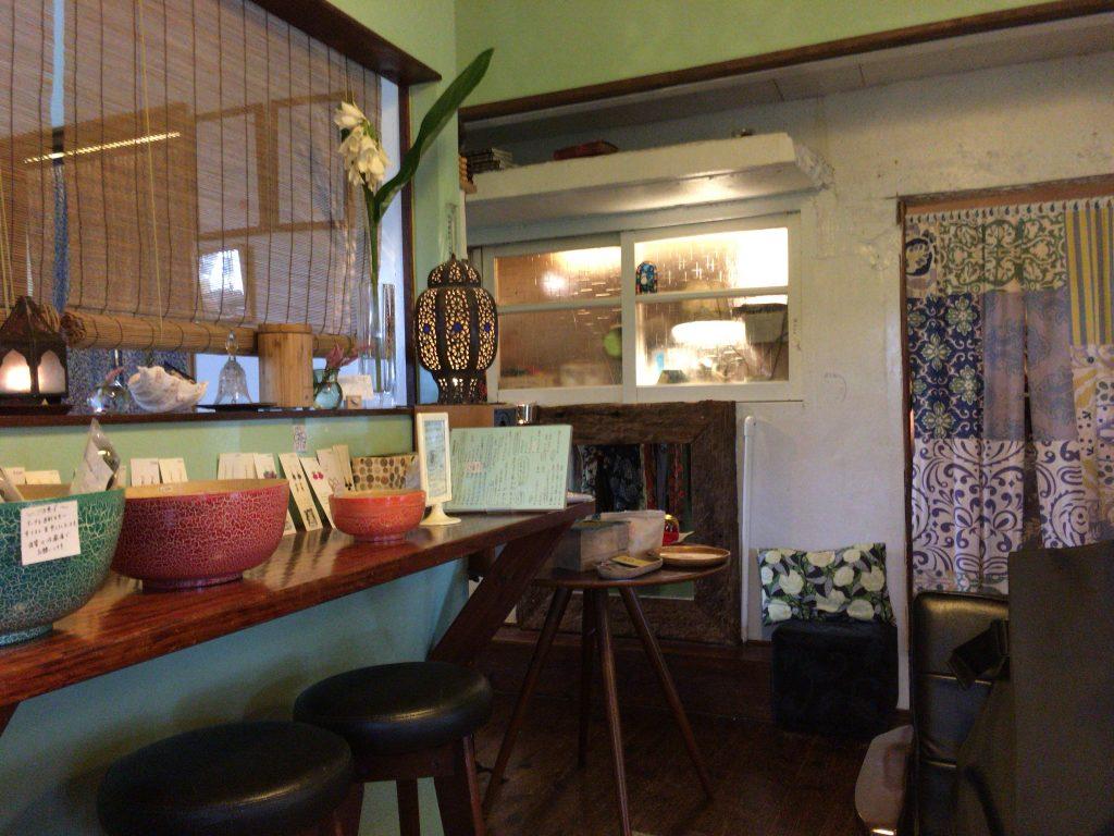 「CAFE ICONOMA」の店内